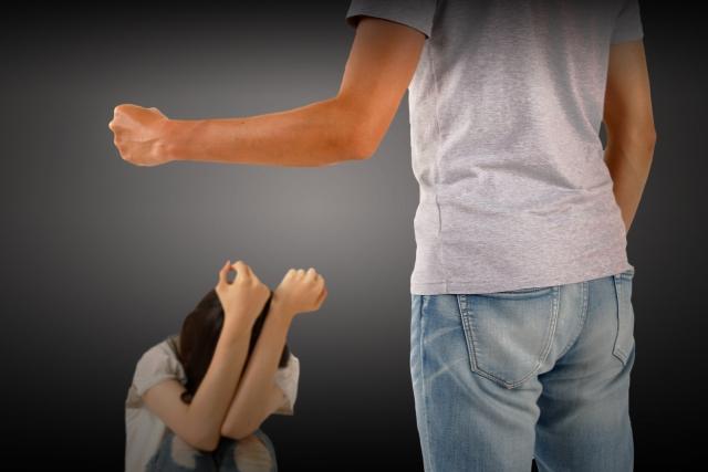 怒ると手が出る親の正体